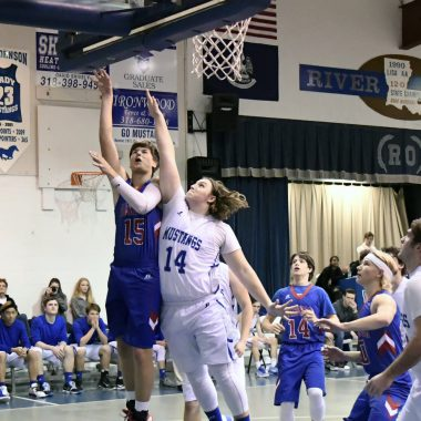 Glenbrook boys crush River Trees for tenth-consecutive win, 61-28